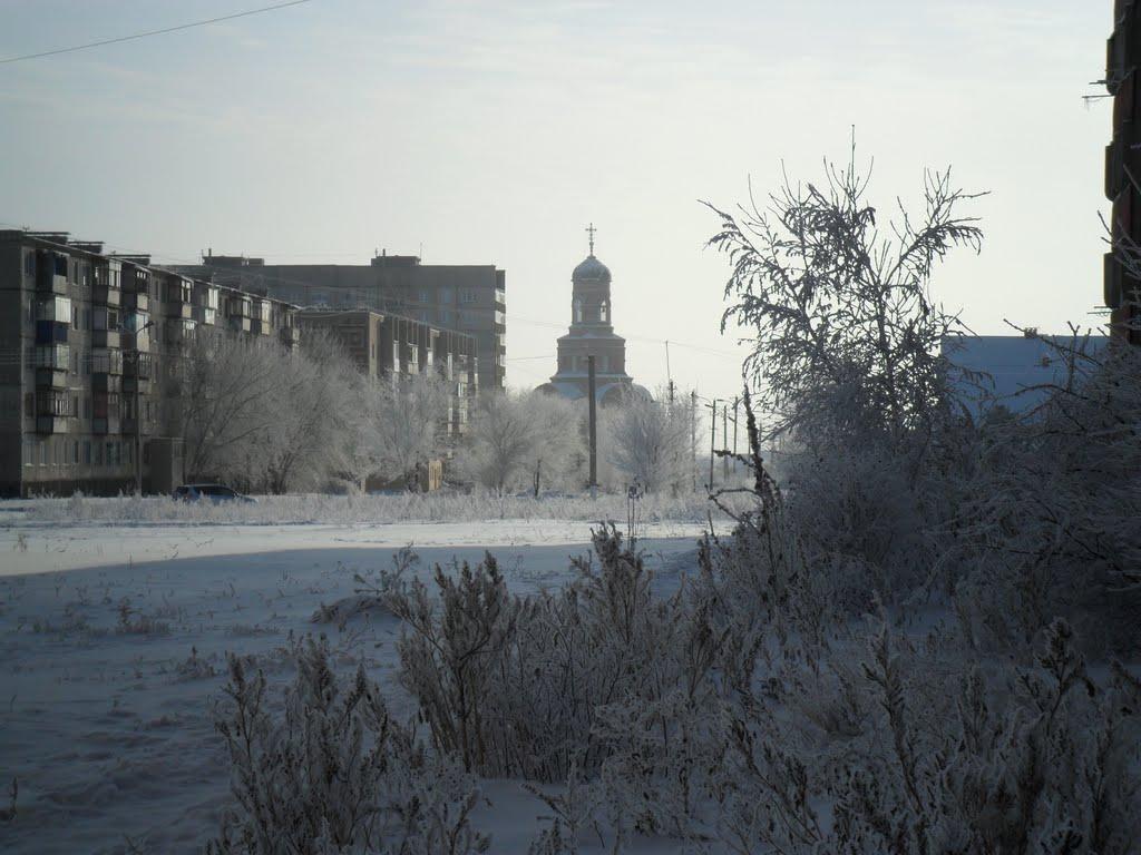 Виднеется   Храм Божий Святого Праведного Иоанна Кронштадтского. 11.12.2011, Гай