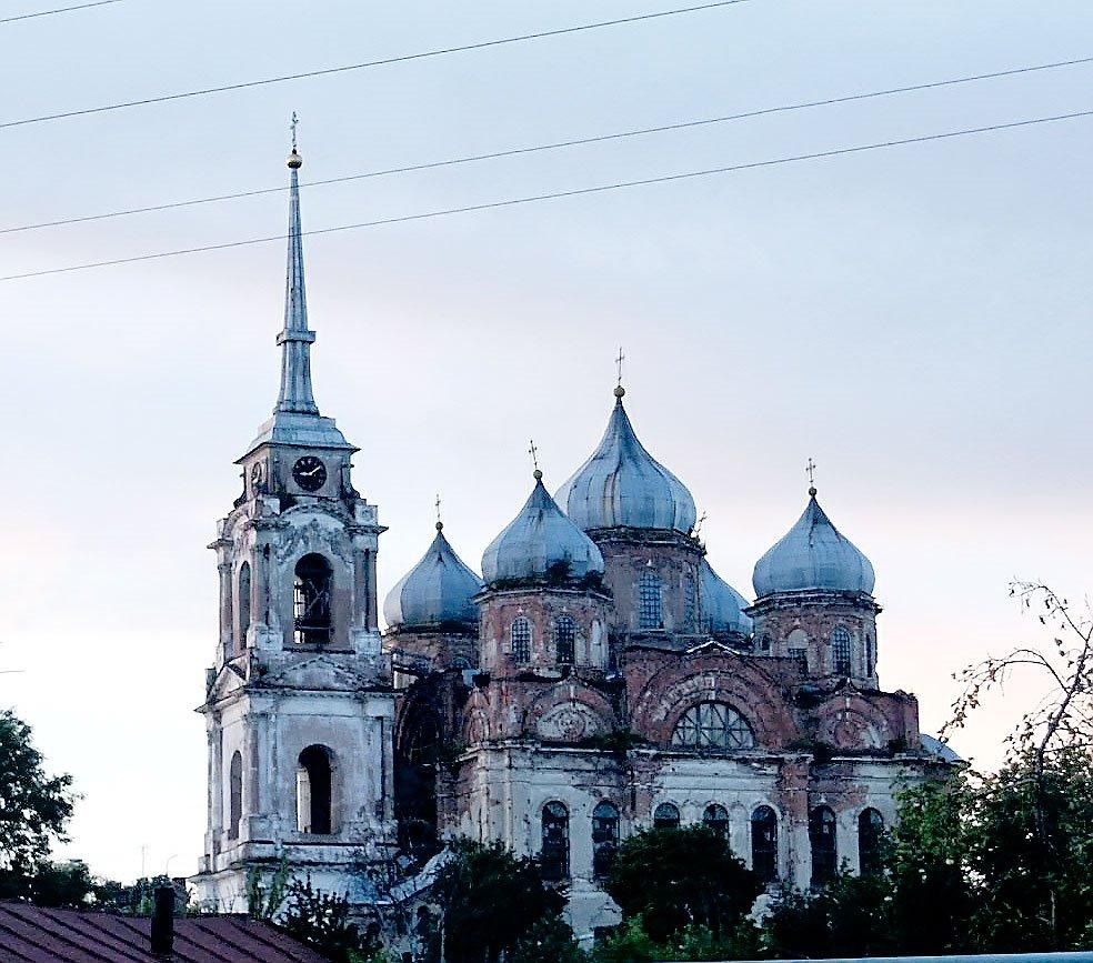 Храм в Болхове до восстановления, Болхов