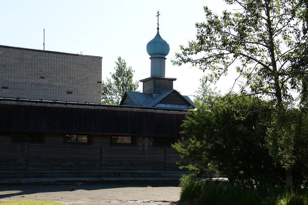 Пикалево. Церковь Воздвижения Креста Господня, Пикалёво
