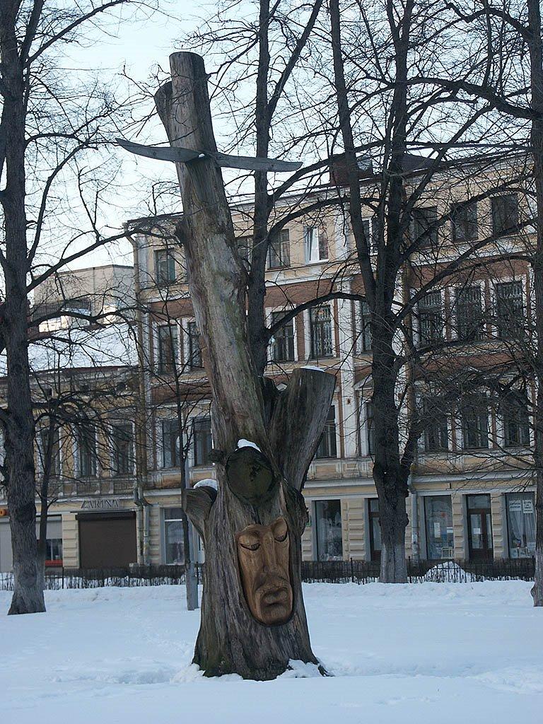 Россия: Ленинградская обл.: Выборг: парк-эспланада (парк Ленина): дерево; 29.03.2008, Выборг