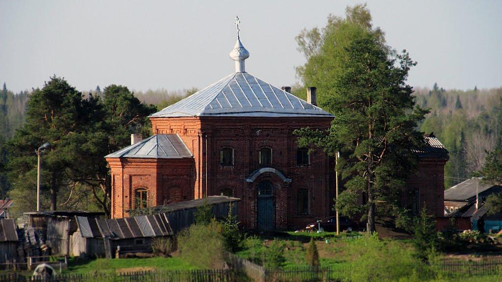 церковь в поселке Ефимовский, Ефимовский