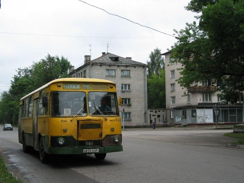 Esquina Volodarskogo, Луга