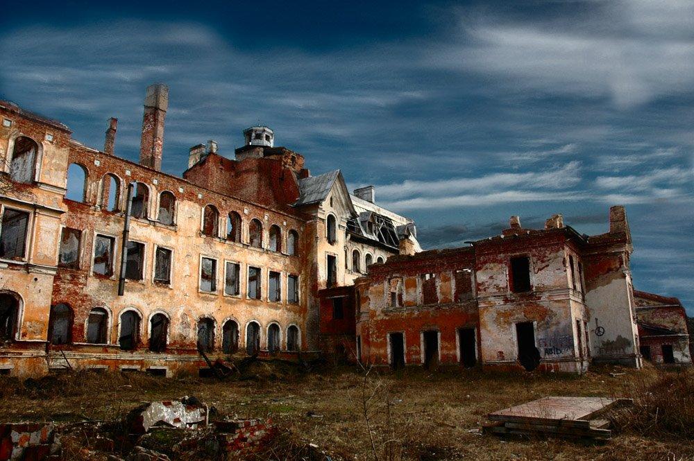 Ruins in Sestroretsk, Сестрорецк