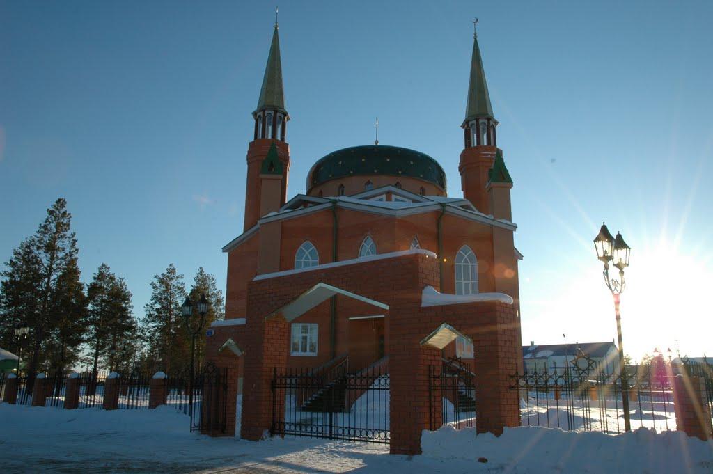 Мечеть в лучах солнца, Муравленко