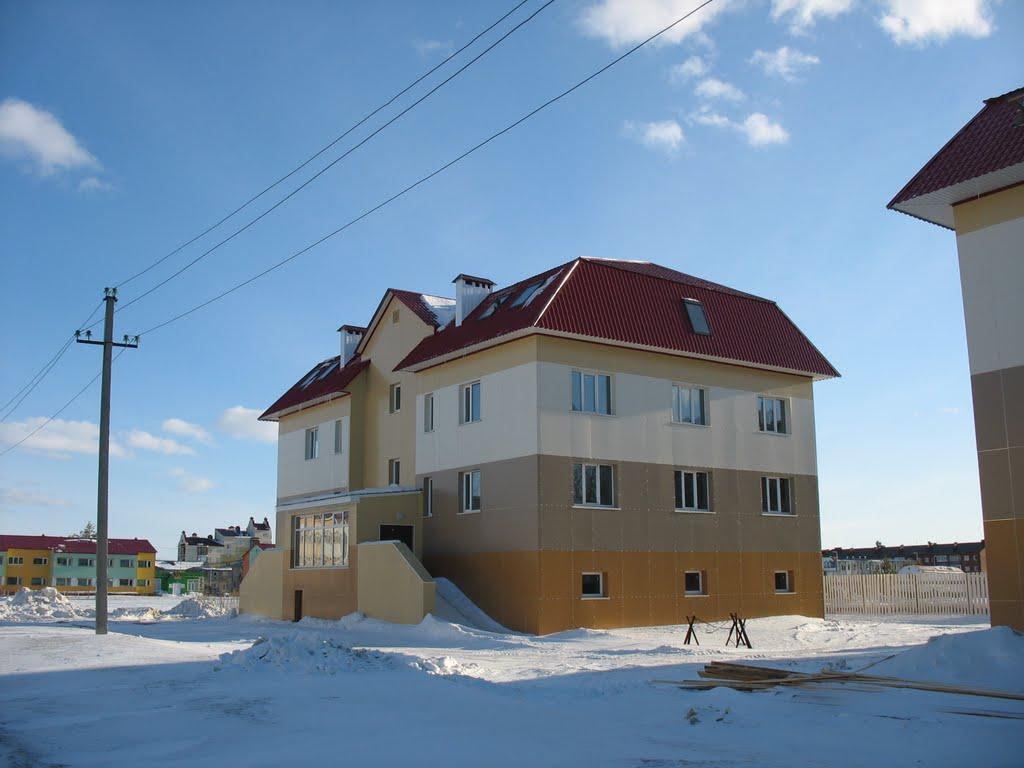 Новый дом в 1-ом микрорайоне, Губкинский