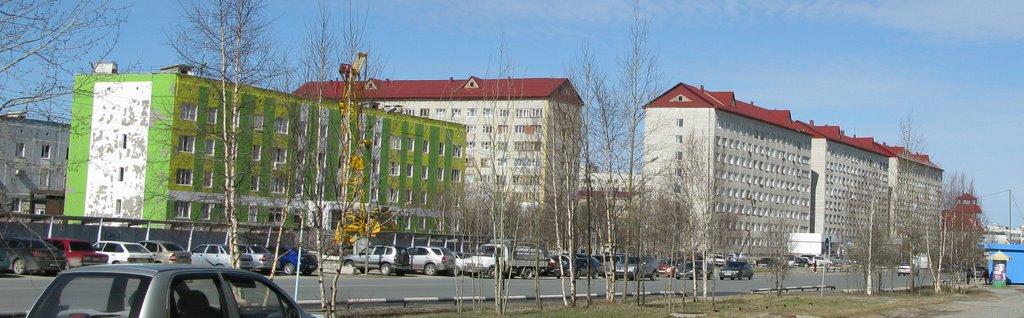 ► Зелёное здание-Милиция.  *, Ноябрьск