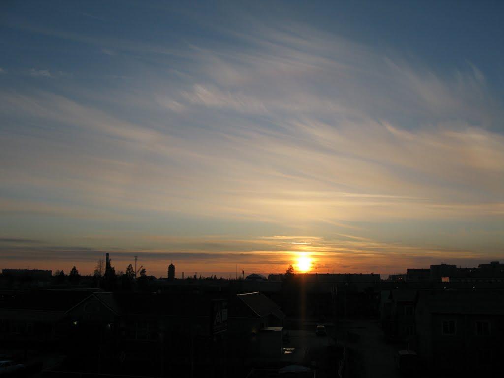 ►  С балкона третьего этажа.   *, Ноябрьск