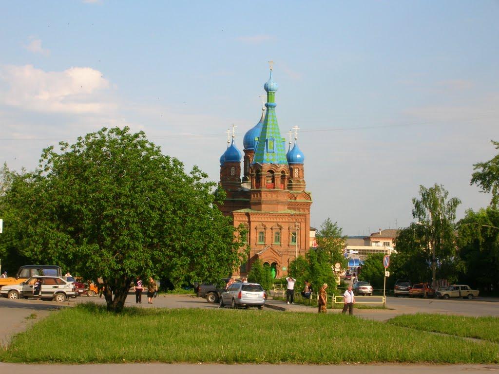 Храм в честь Алексанра Невского (вид с ул. Советская), Красноуфимск