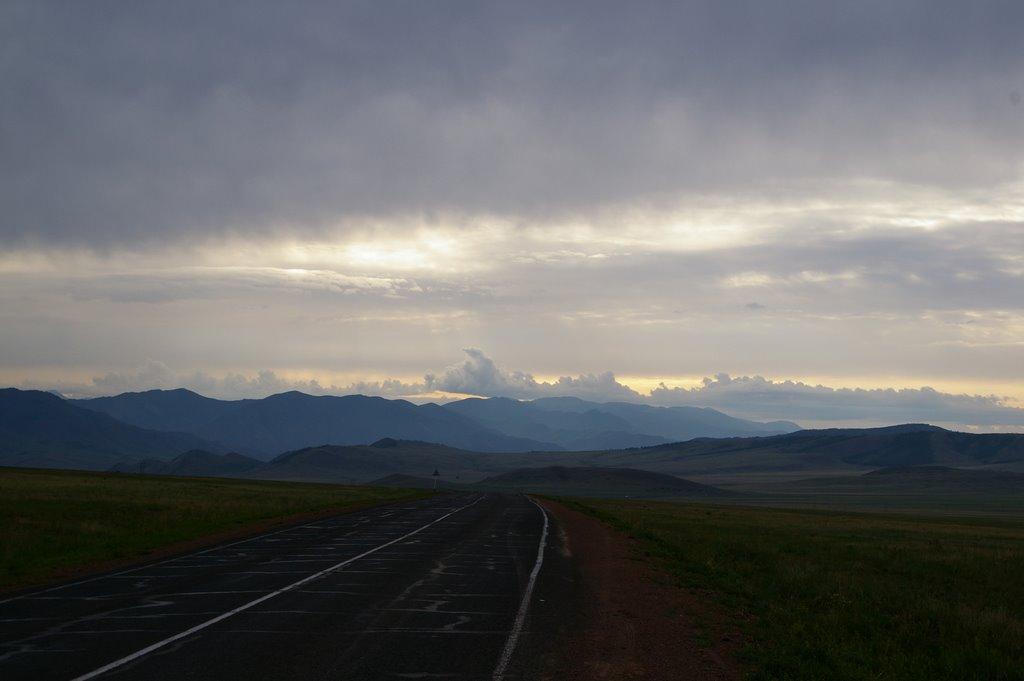 вид на хребет Донгул-Тайга, Суть-Холь
