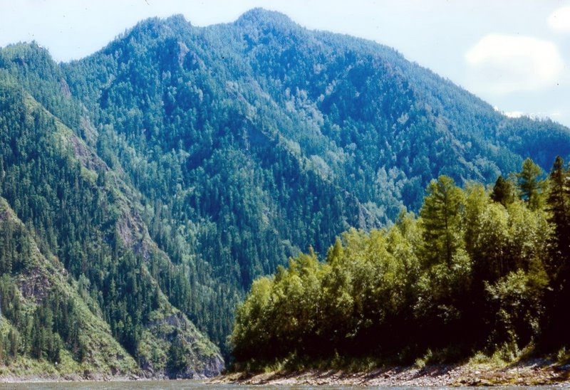 хребет Обручева. Вид с реки, Суть-Холь