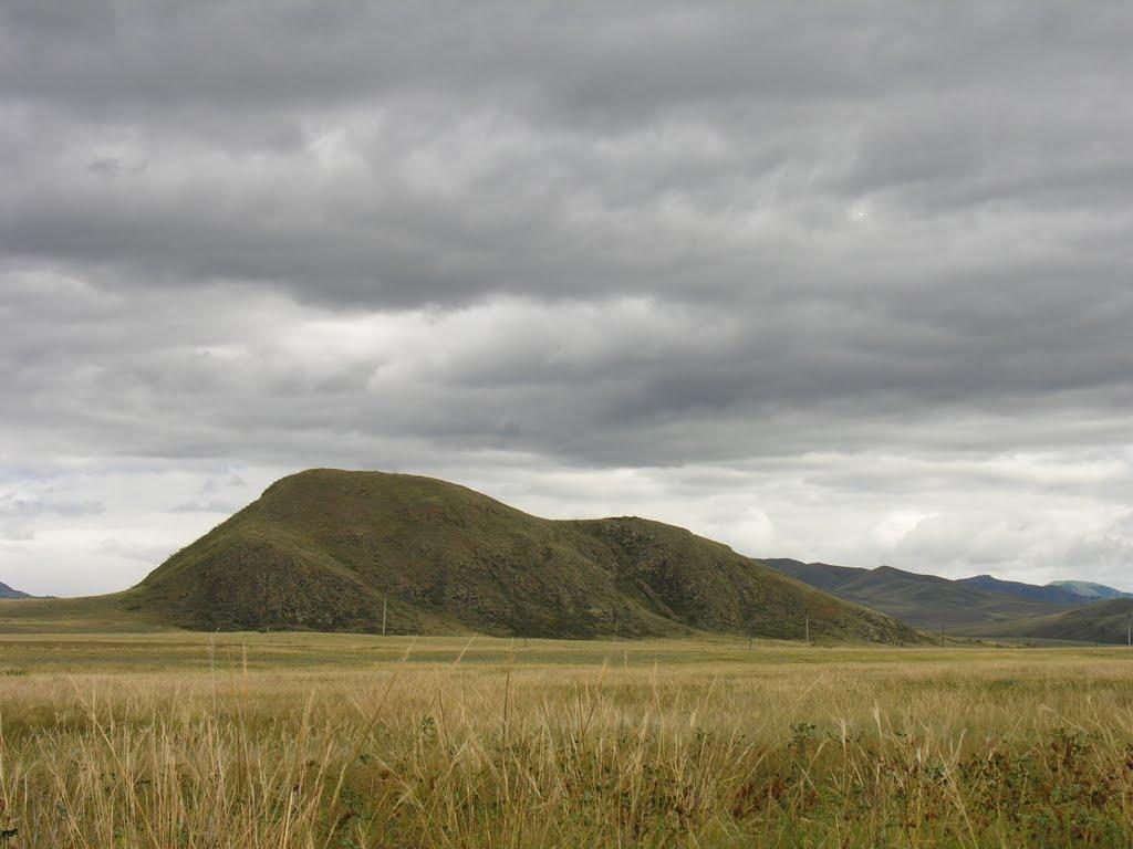 Hill near Buren-Khem, Суть-Холь