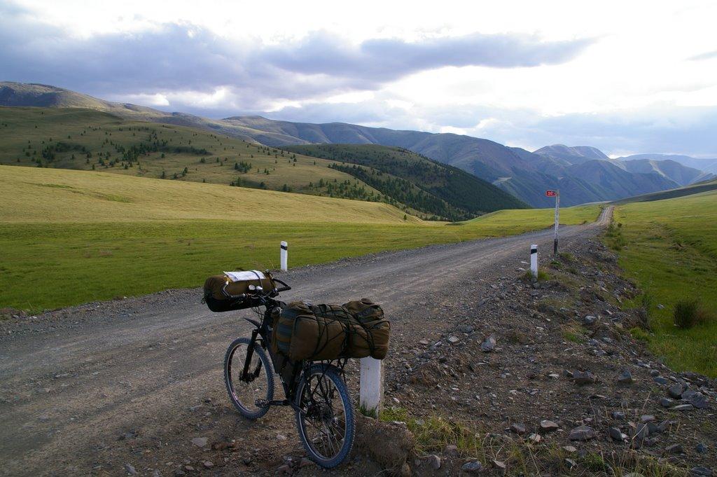 на перевале Арзайты (2240м над уровнем моря), Тээли