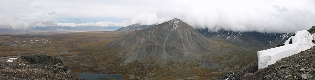 View from peak 3188m, Тээли