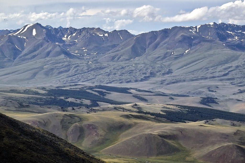 хребет Цаган-Шибету, вид с Монгун-Тайги, Тээли