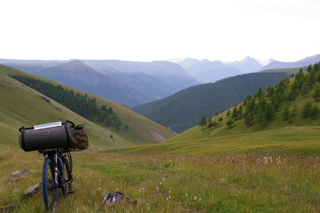 2300 над уровнем моря (вид на хребет Цаган-Шибэту), Тээли