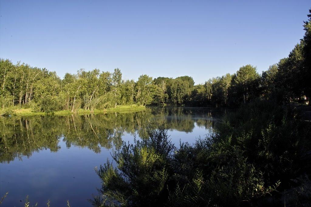 Кызыл. Вид на озеро-старицу в парке, Хову-Аксы