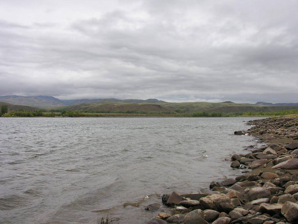 Bii-Khem (Great Yenisei) river, Хову-Аксы