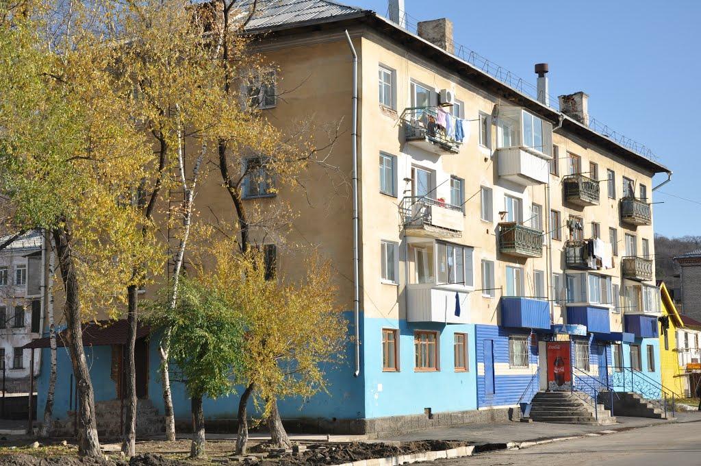 Obluchye (2012-10) - Apartment block, Облучье