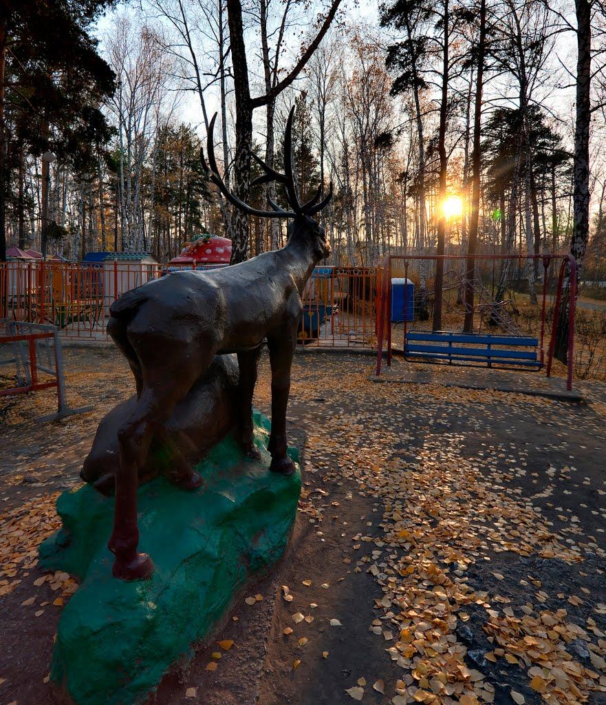 Deer in the childrens park — Олени в детском парке, Озерск