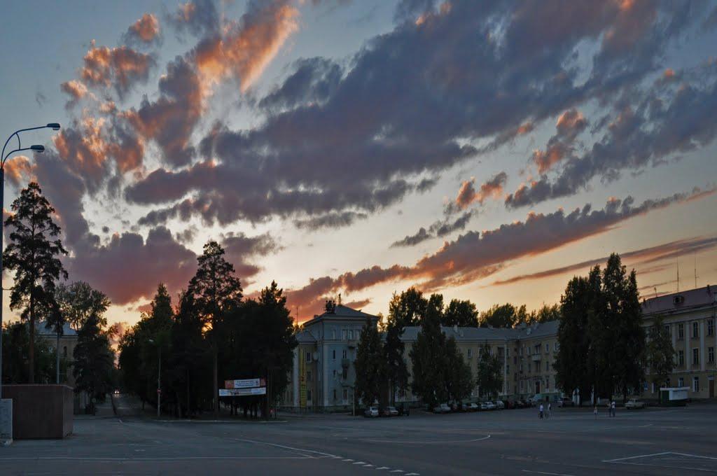 towns main square, Озерск