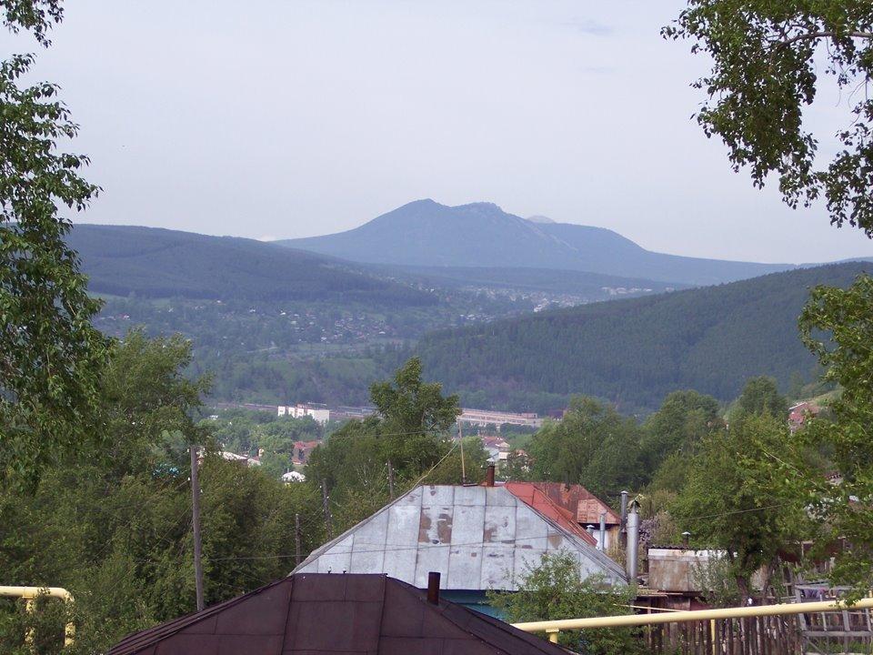 Вид на Таганай с Нагорной, Златоуст