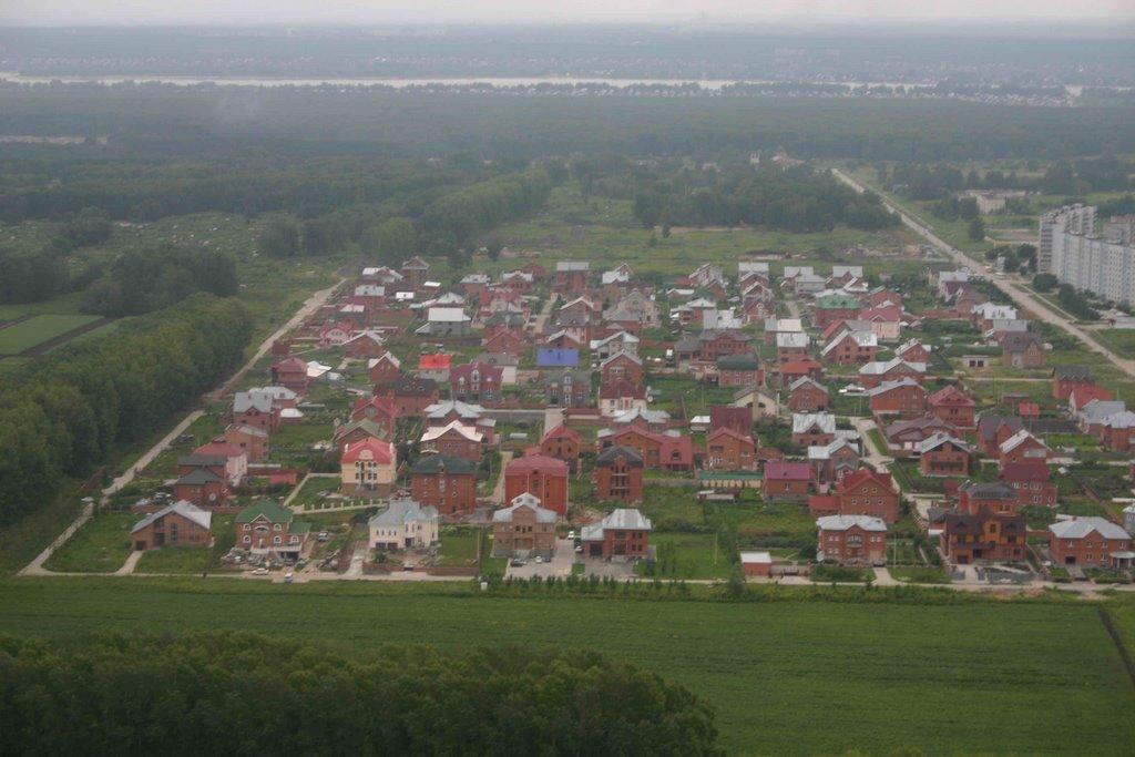 вид сверху на коттеджный посёлок, Советское