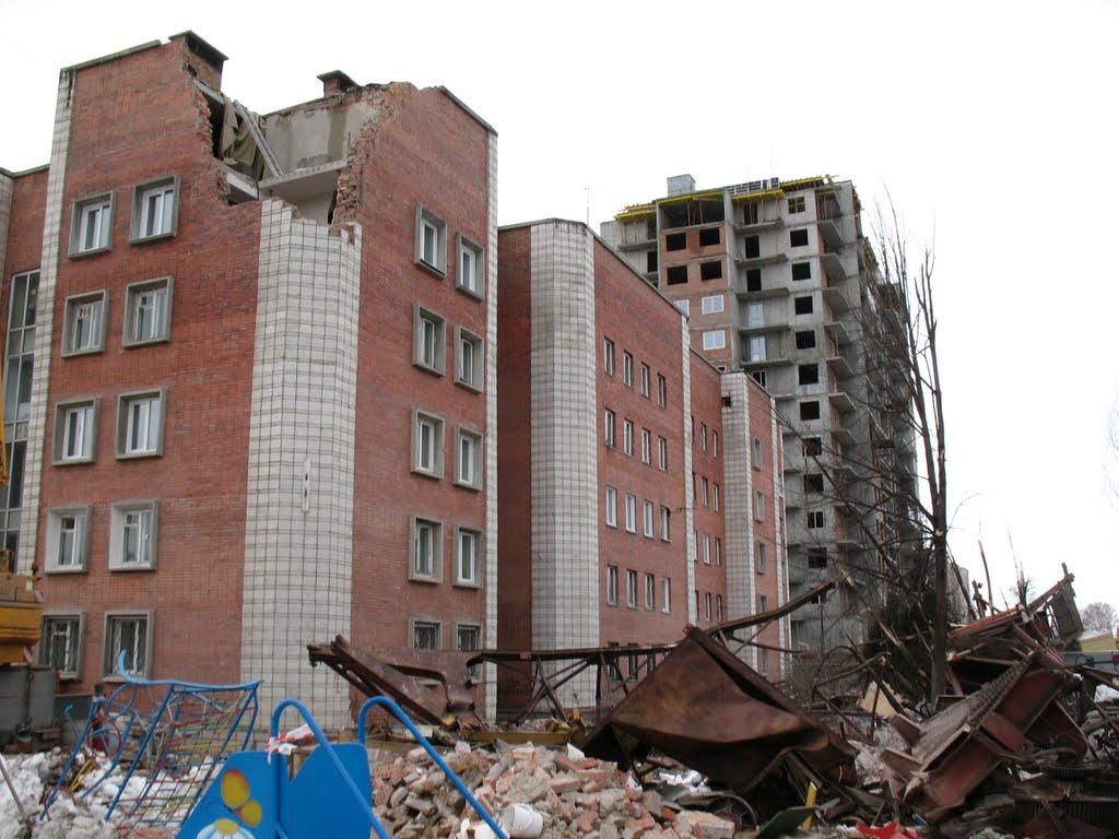 Крышу снесло..краном.., Советское