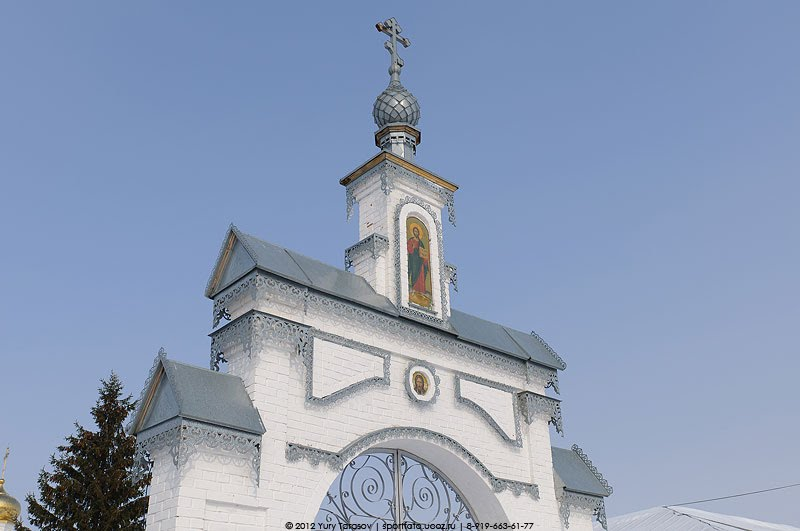 Украшение ворот в Тихвинский монастырь., Цивильск