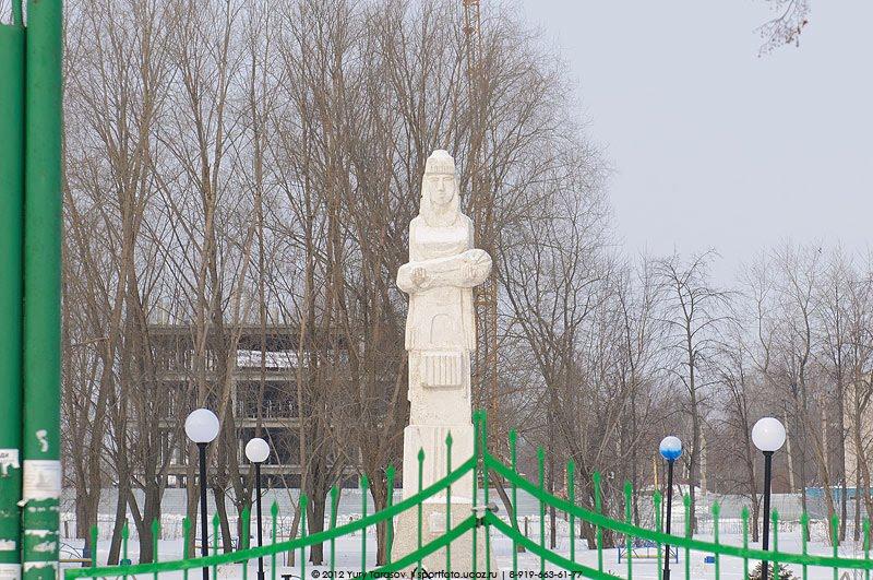 Скульптура в Александровском саду, Цивильск