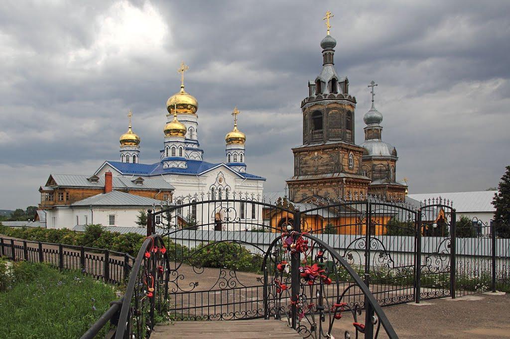 У монастыря в Цивильске, Цивильск