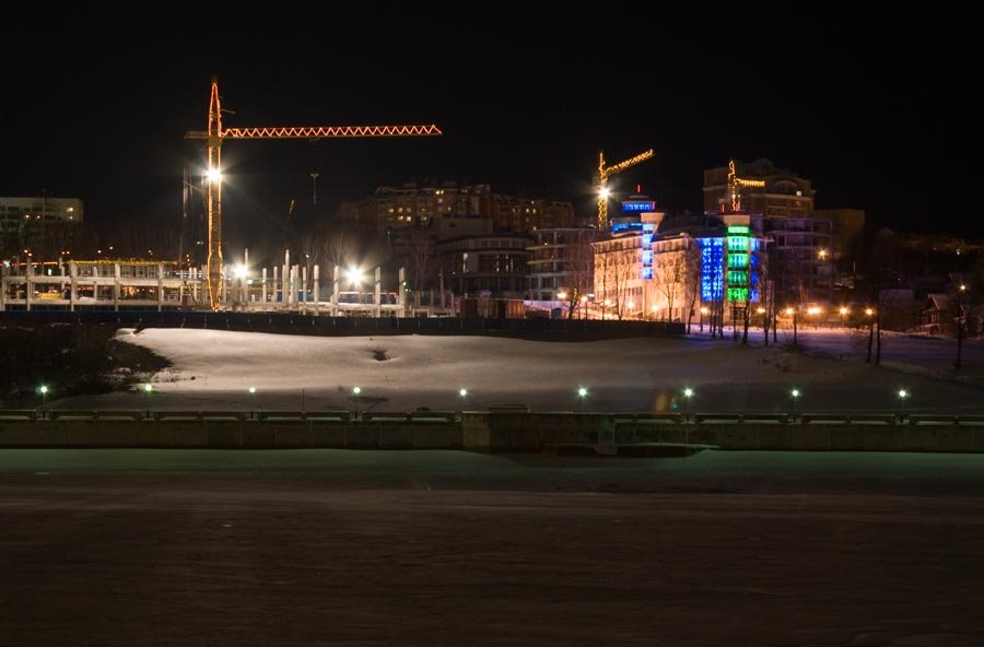 На берегу Залива ведется строительство гостиничного комплекса / Development of a hotel complex is carrying out on a coast of the Gulf (30/12/2007), Чебоксары