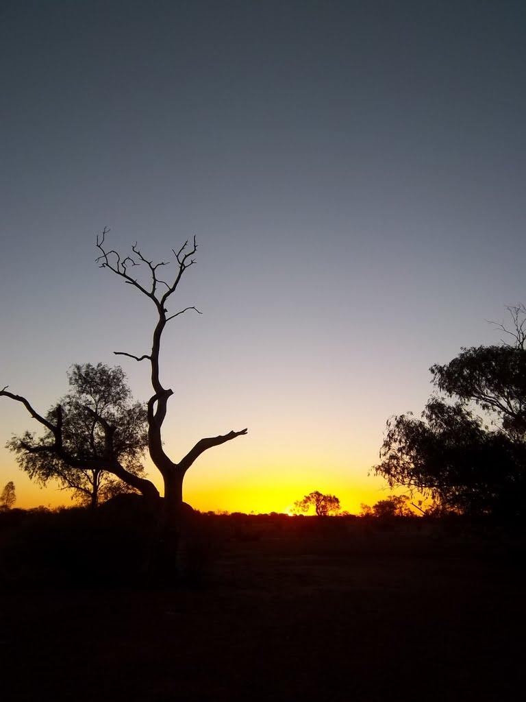 Evening camp at Mingol, west of Carnegie WA, Бунбури