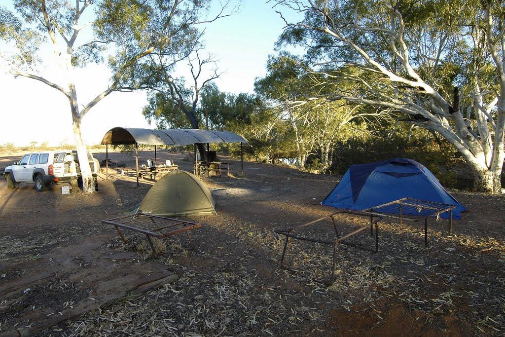 camp on the gunbarrel hwy, Бунбури