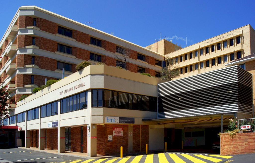 Geelong Hospital is Victoria's largest regional health service (2009). It provides health care to more than 450,000 people in Geelong and South Western Victoria, Гилонг