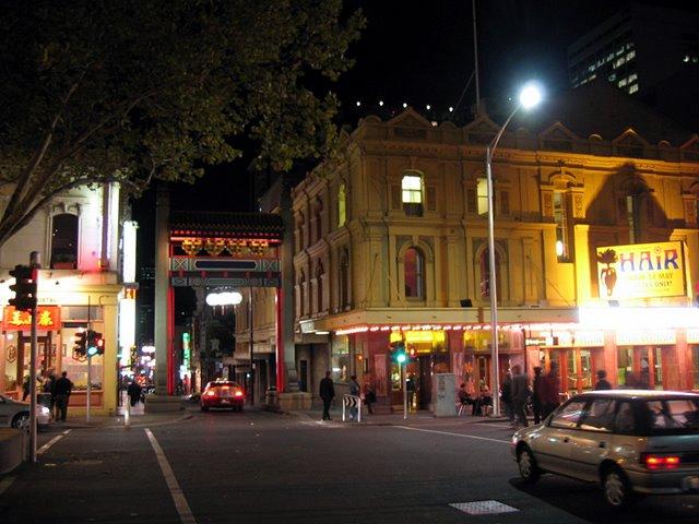 "Melbourne Chinatown Gate, near ""Hair"", Мельбурн"