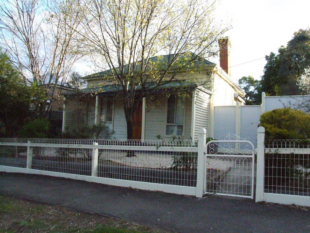 Tillys Cottage, Homes Road, North Bendigo, Victoria, Бендиго