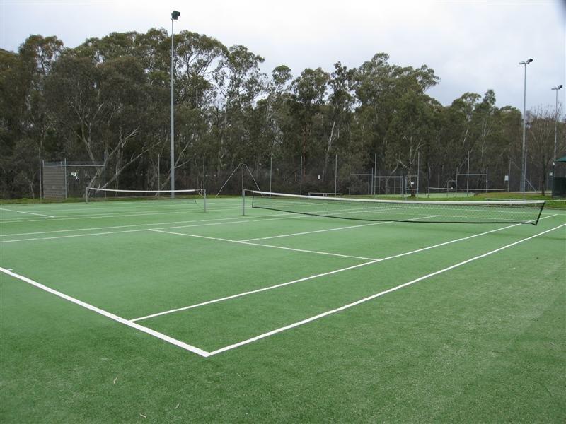 Spring Gully Tennis Courts, Варрнамбул