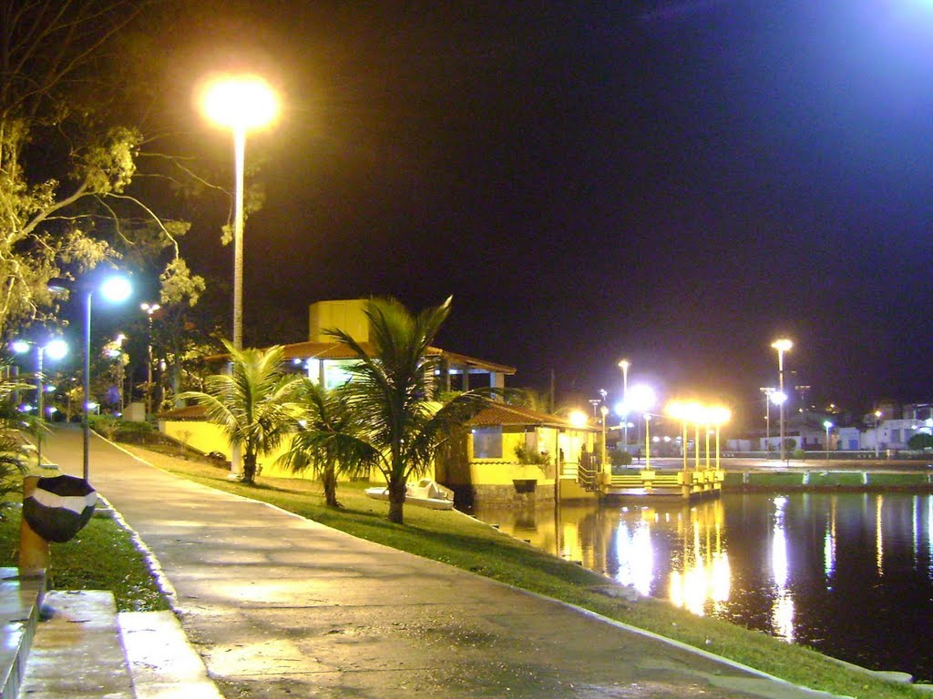 Praça da Lagoa à Noite, Итапетинга