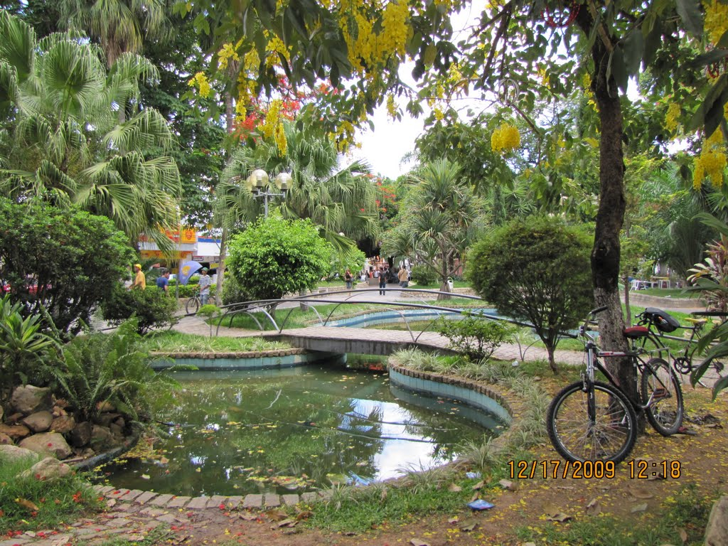 "Praça Tiradentes "" Teófilo Otoni"", Теофилу-Отони"