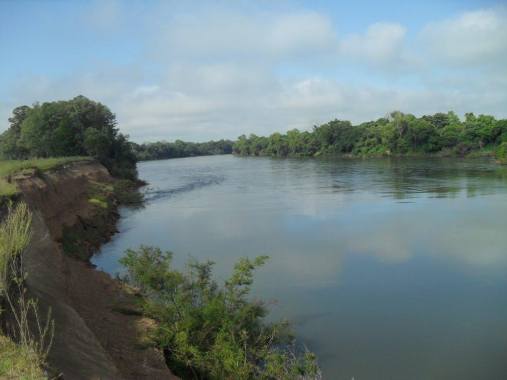 margem  rio  jacui, Рио-Гранде