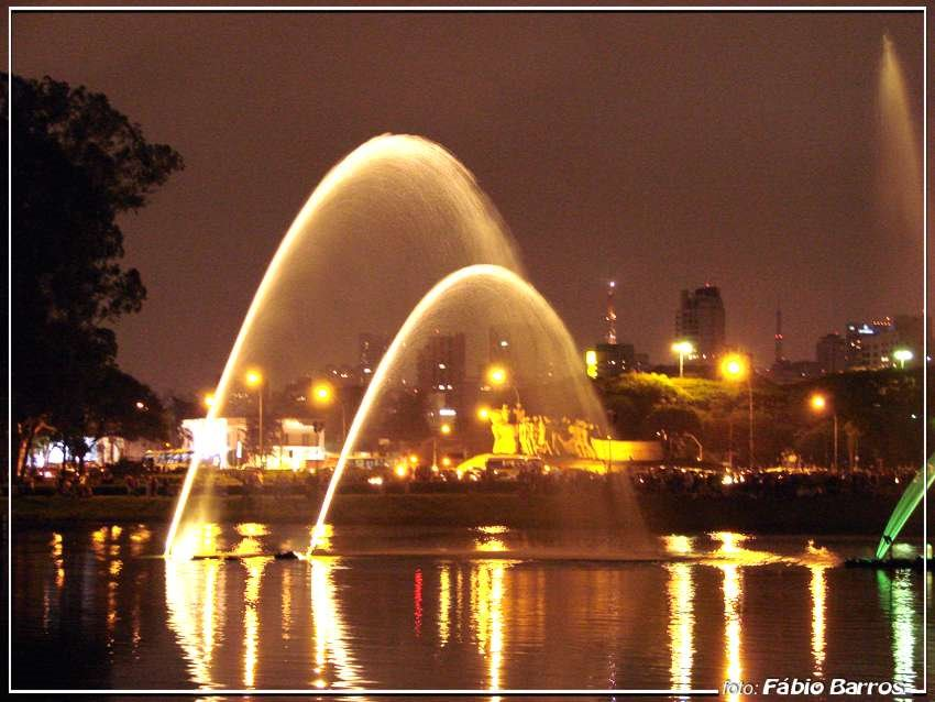 Fonte do Parque Ibirapuera -  Foto: Fábio Barros (www.cidade3d.blogspot.com.br), Сан-Жоау-да-Боа-Виста
