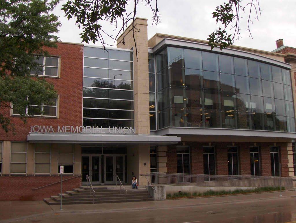 Iowa Memorial Union, GLCT, Сагевилл