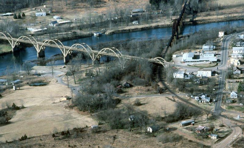 Cotter, Arkansas, Гассвилл