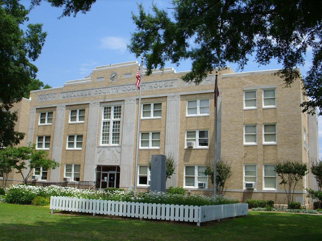 Arkansas County AR Courthouse (South District) in De Witt, AR, Статтгарт