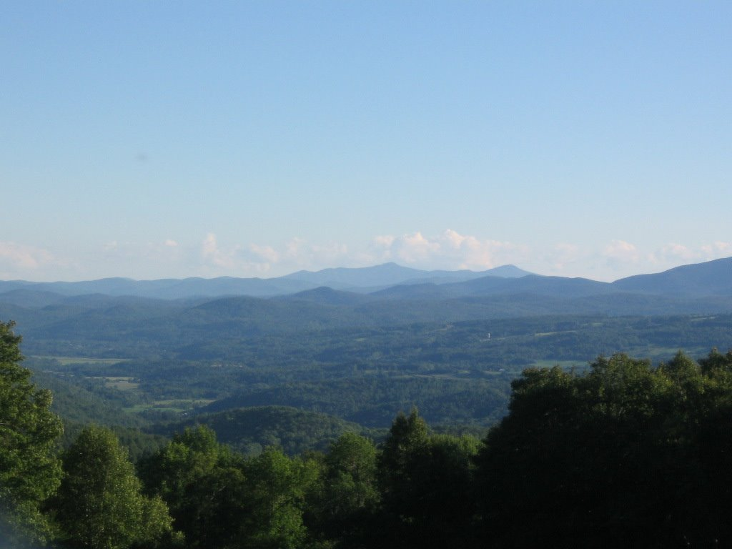 Near Brookfield Vermont looking east into New Hampshire, Монпелье