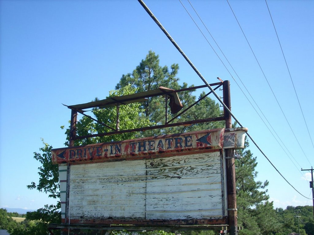 Drive-In Movie Sign - Verona Virginia, Верона