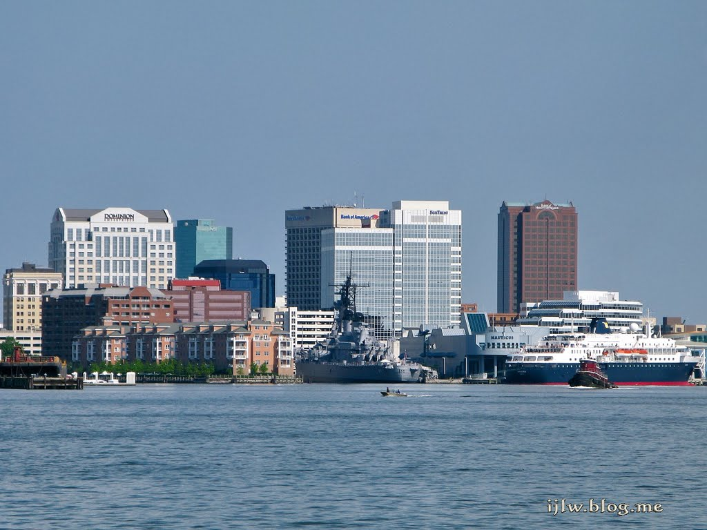 Norfolk seen from habor cruise, Портсмут