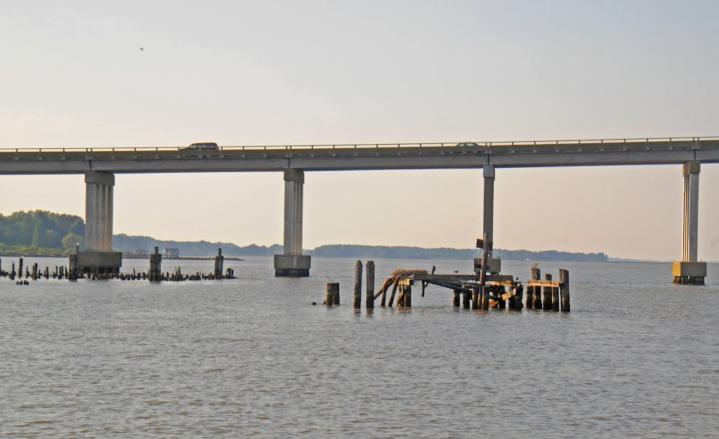 TMSP - Old Steamboat Wharf and Oil Jetty on the Rappahannock River at Tappahannock, Таппаханнок