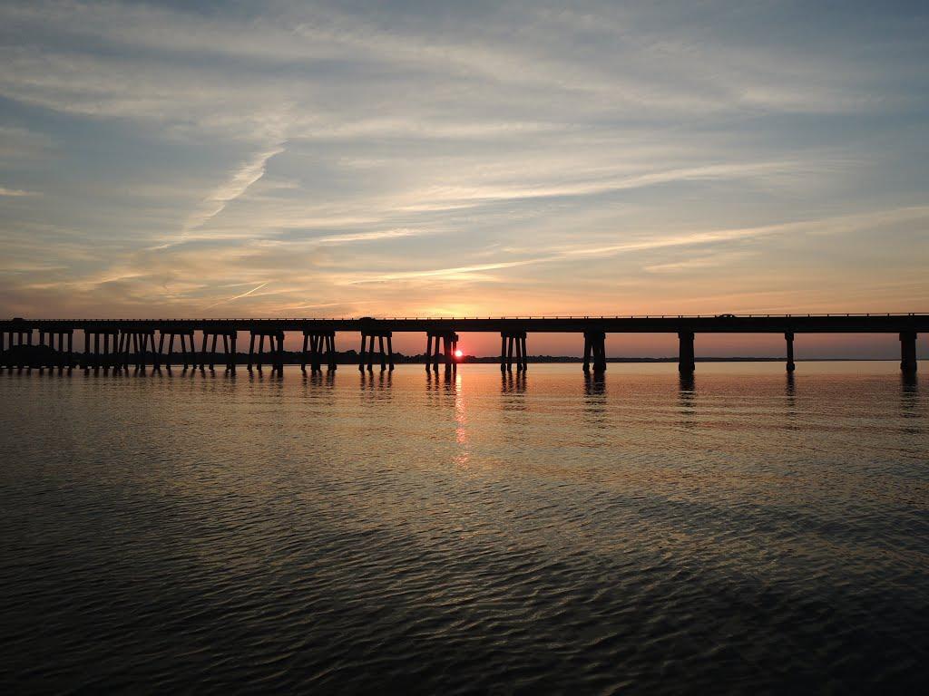 Sunset at Downing bridge, Таппаханнок