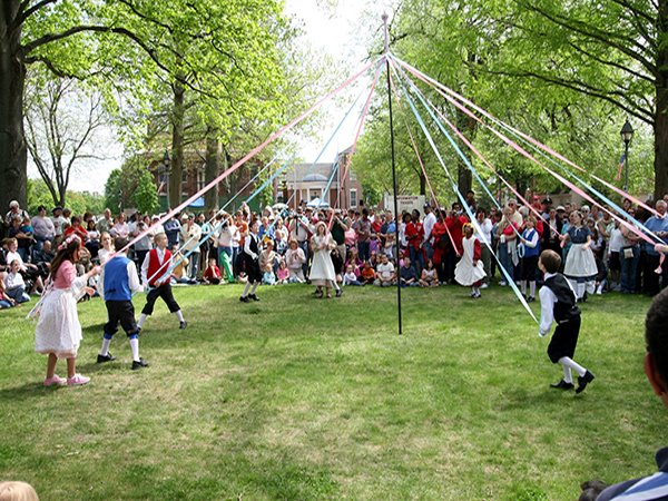 Old Dover Days Maypole Dancing, Довер